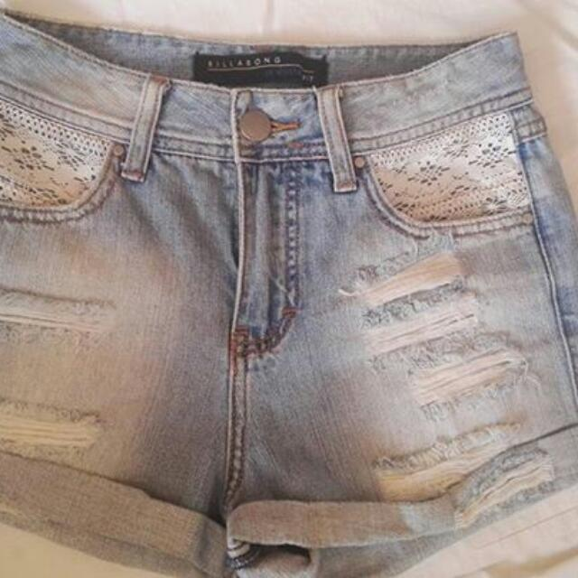 Billabong Highwaisted Shorts