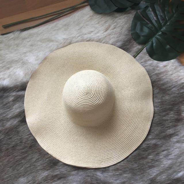 BNWOT Sportsgirl Floppy Wide Brimmed Hat