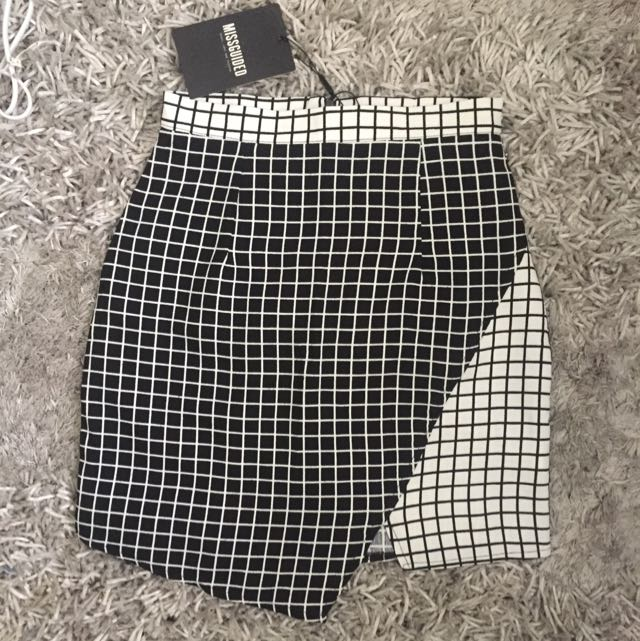 BNWT grid skirt