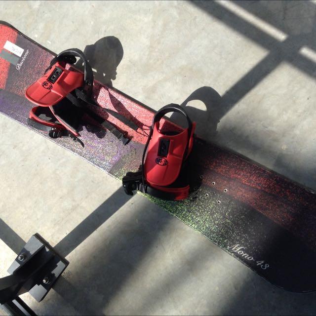 Duotone Mono 38 Snowboard With Bindings