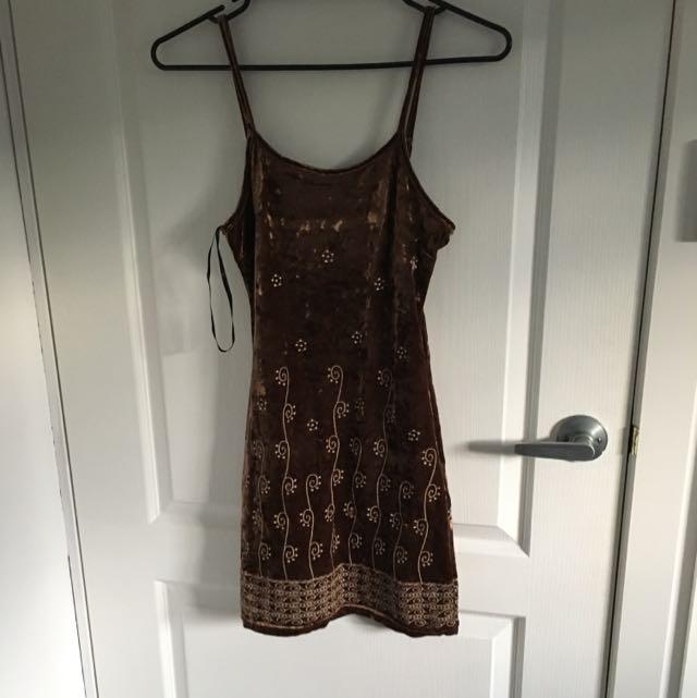 Ebonie n Ivory Embroided Velvet Dress