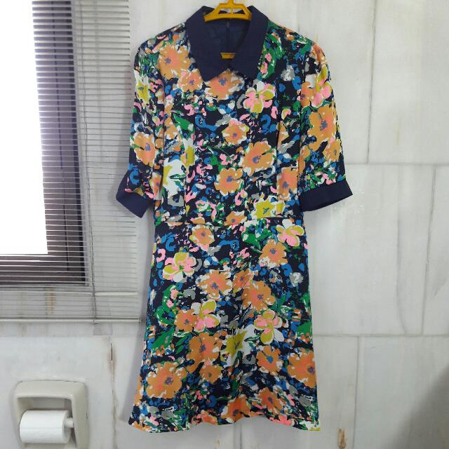 FLORAL DRESS WITH COLLAR