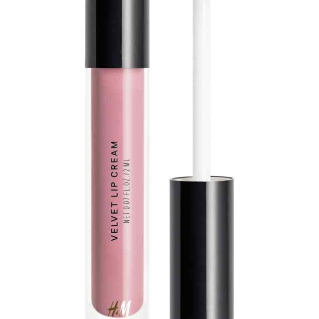 "⭐️Free Gift⭐️H&M Velvet Lip Cream ""Echanté"""