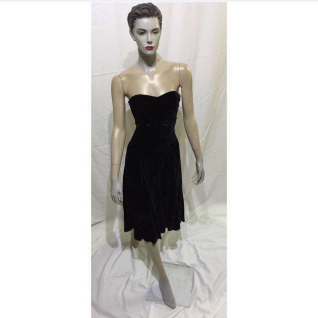 64d23a9c4 POSITIVELY ELLYN Green Velvet Bustier Corset Dress