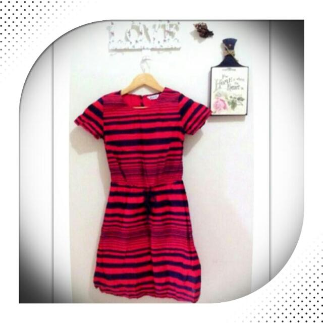 ☑ Midi Dress (Brand: Mint)  💵 Harga Pas❌No Nego👌Sudah Murah👍Masih Bagus  🙋 Tolong buat tawaran dulu jika Fix Order/Deal  🔎 @handoverme
