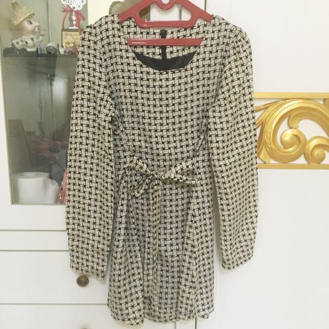 monocrome dress