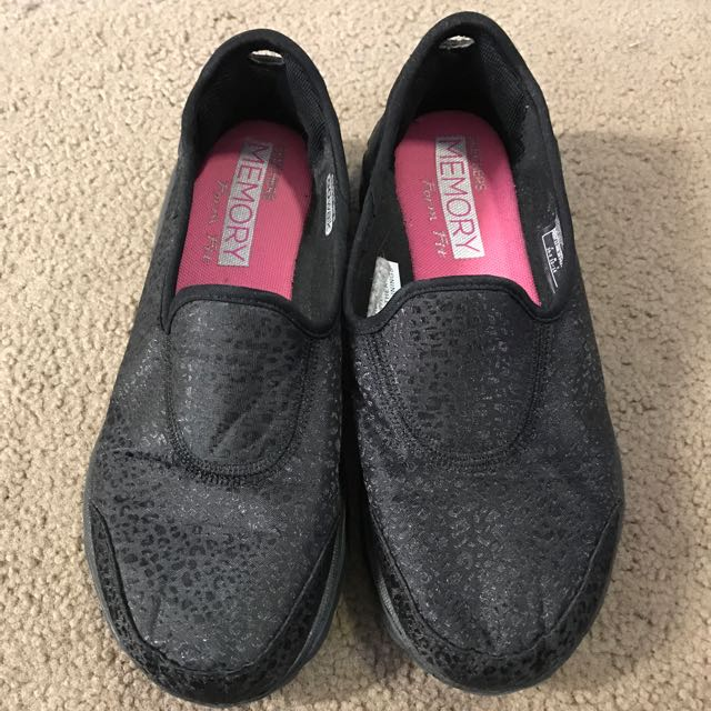 Skechers Memory Form Fit Size 5.5