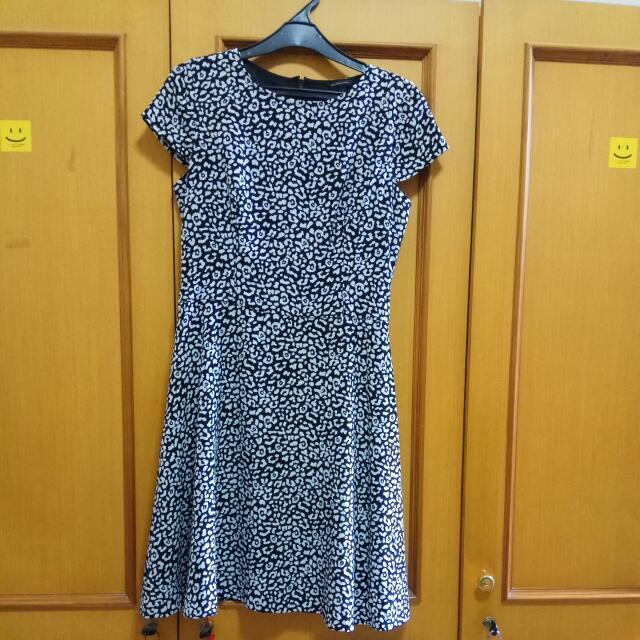 The Executive Dress (Size S)