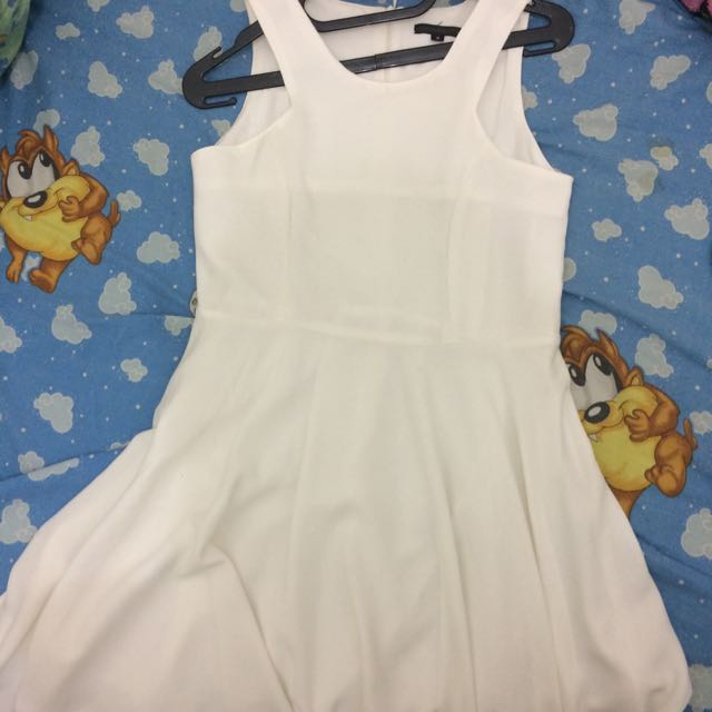 White Dress by Lookboutique