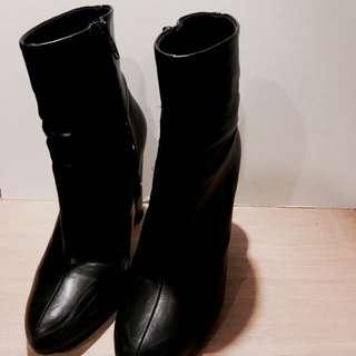 高根尖頭短靴(ZALORA)#五百元好女鞋) #運費我來出
