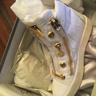 Giuseppe Zanotti Gold Plated Sneakers