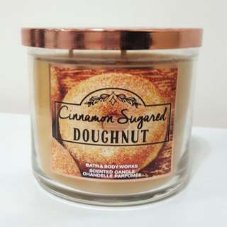 Bath & Body Works Cinnamon Sugared Doughnut Candle