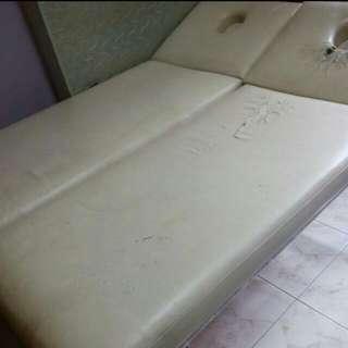 Massage Bed (Good Quality!)