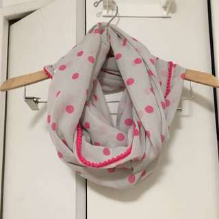 AERIE BRAND NEW W/ Tags PINK POLKA DOT INFINITY SCARF GREY OFF WHITE