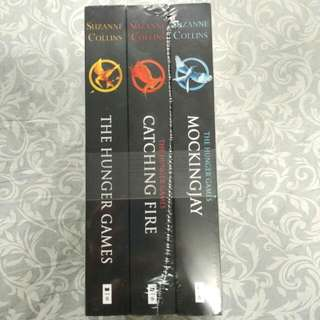 [NEW] The Hunger Games, Catching Fire, Mockingjay 1 Set (English)