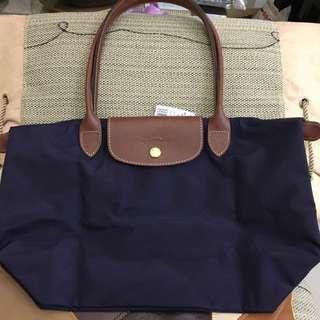 全新巴黎購回Longchamp深紫色長柄中