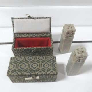 收藏龍的造型玉石印章