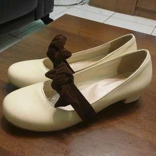 氣質米白色高跟鞋