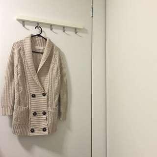 ZARA Knitwear // Beige Cardigan