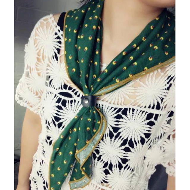 小黃梨草皮翻滾 小領巾