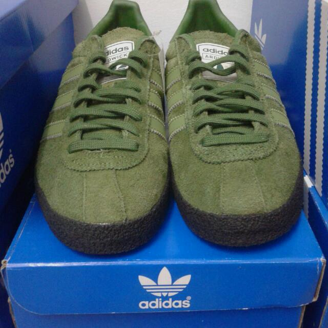 quality design b0b81 65c7b Adidas Original Ardwick Spezial (Oi Polloi) 10500 Size 7.5uk Used Like New  No acah-acah buyer, Mens Fashion, Footwear on Carousell
