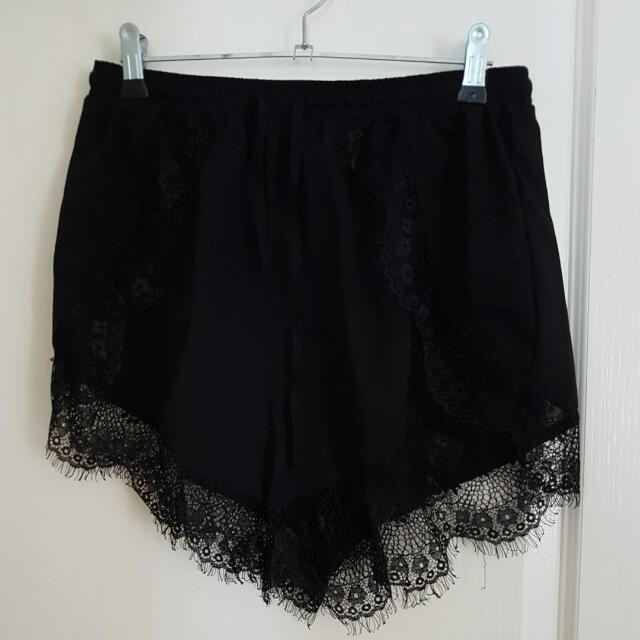 Beginning Boutique Shorts With Lace