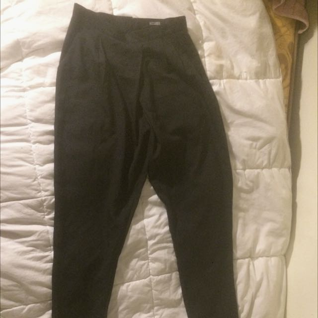 Black pleated trousers (Missguided, size 8)