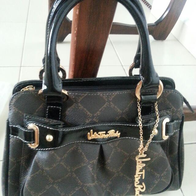2039742074124 Clearance) BN AUTHENTIC VALENTINO RUDY BAG
