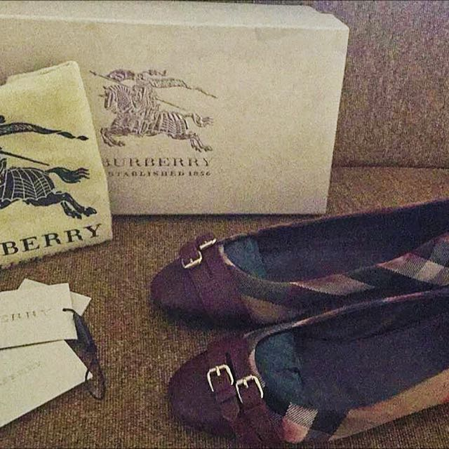 Burberry Flat Shoes Preloved