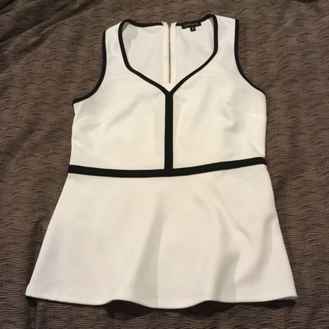Fitted White Tank With Detailing