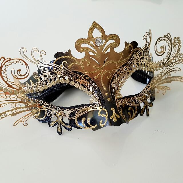 Gold Luxury Masquerade Mask
