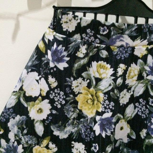 H&M Floral Flare Skirt