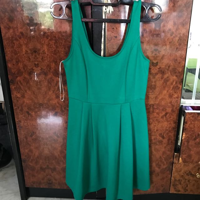 Kitscheb Green Dress