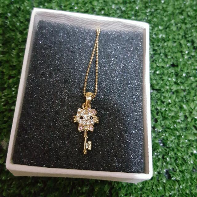 Kitty 項鍊 鑲鑽 金色 超美 鑰匙 造型