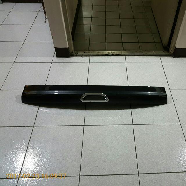 KUGA  尾門下飾板 CJ54S423A40A