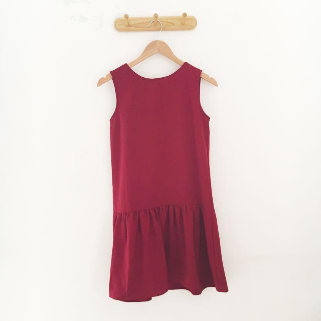 LIBBY Maroon Dress