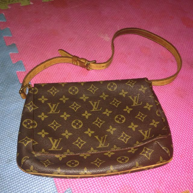 82f889227203 Louis Vuitton Musette Tango shoulder bag short strap