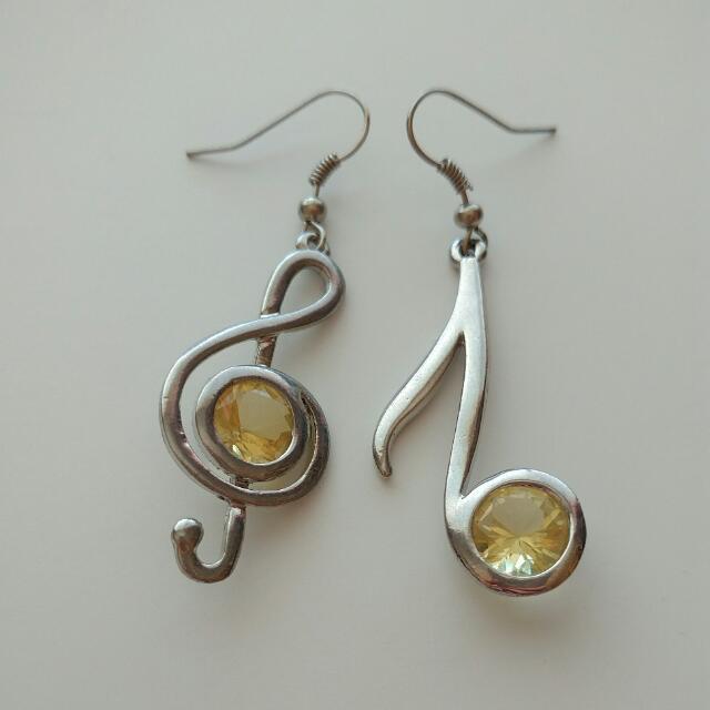 Musical Note Dangle Earrings