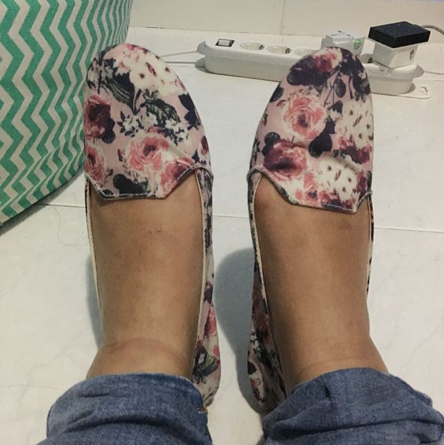 New Look Flower Canvas Flat Shoes