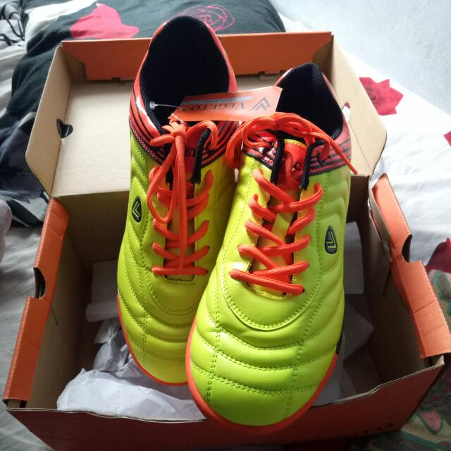 Sepatu Futsal Vegeto