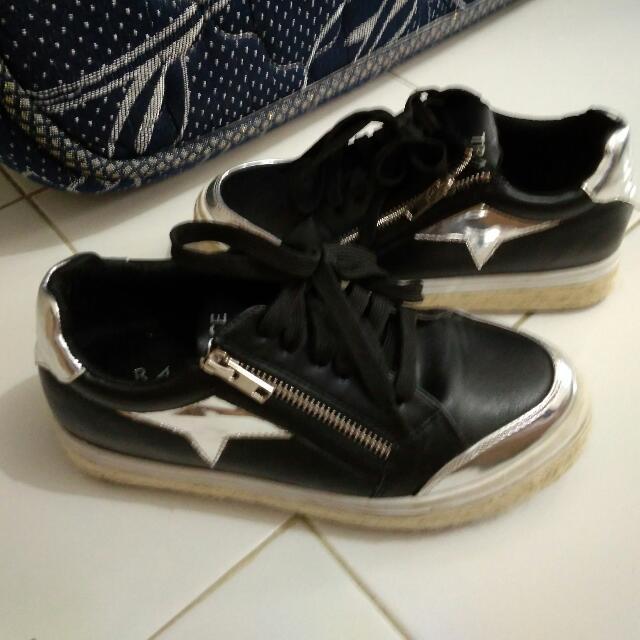 Sepatu Tracce Sneakers