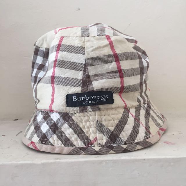 VINTAGE BURBERRY BUCKET HAT