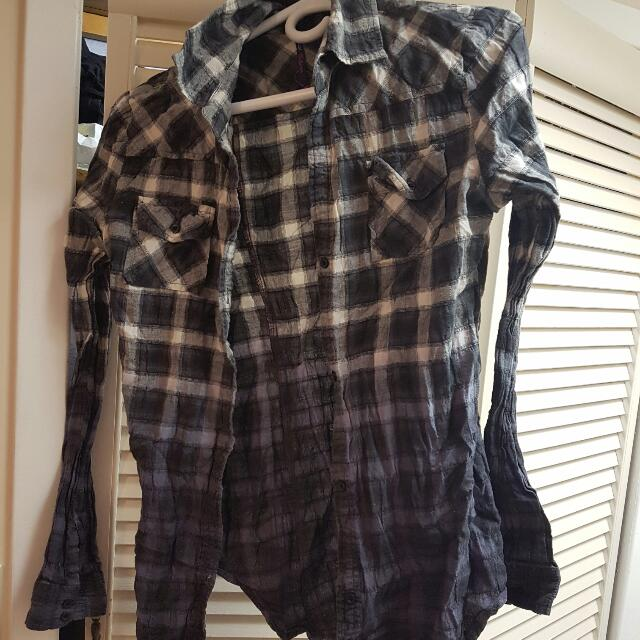Womans Size Small Plaid Shirt