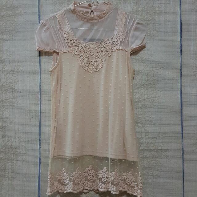 ON SALE !! ZARA EMBROIDERY TOP