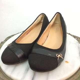 Zeita Flat Shoe