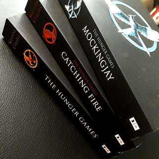 THE HUNGER GAMES COMPLETED SERIES