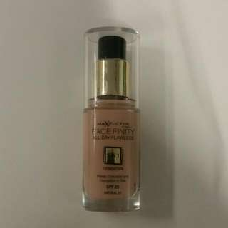 MaXFactor FaceFinity All Day Flawless 3 In 1 Foundation