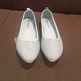 Reduced Price Flat Shoes