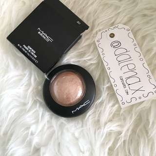 AUTHENTIC - MAC Cosmetics Mineralise Skinfinish Highlighter - Soft & Gentle