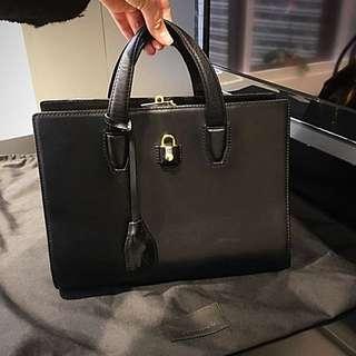 $2000 即放 Alexander Wang handbag 有保用卡 包原裝塵袋